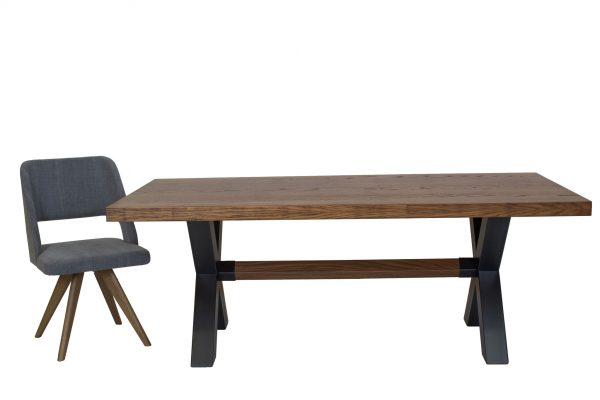 Lucky - τραπέζι με καρεκλα υπό γωνία